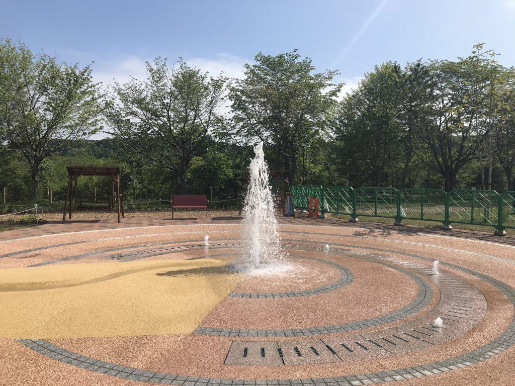 ナチュの森 公園 噴水